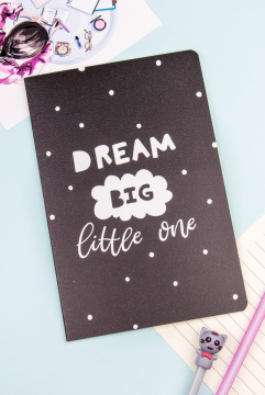 Тетрадь в линейку Dream big little one (32 листа)